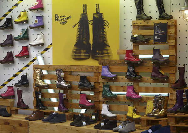 the latest 507d4 2f711 dr martens londra