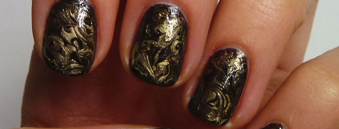 Liquid Gold Needle Marble Manicure