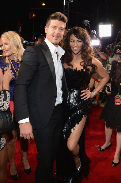 paula-patton-robin-thicke-vmas-2013