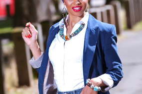 Casual Elegance: Denim Shorts, Blue Blazer, Head Wrap & Crisp White Shirt